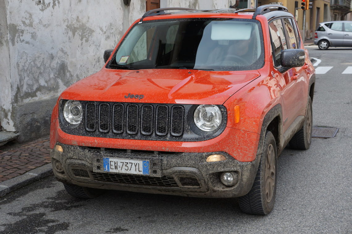 test der neue jeep renegade 2015. Black Bedroom Furniture Sets. Home Design Ideas