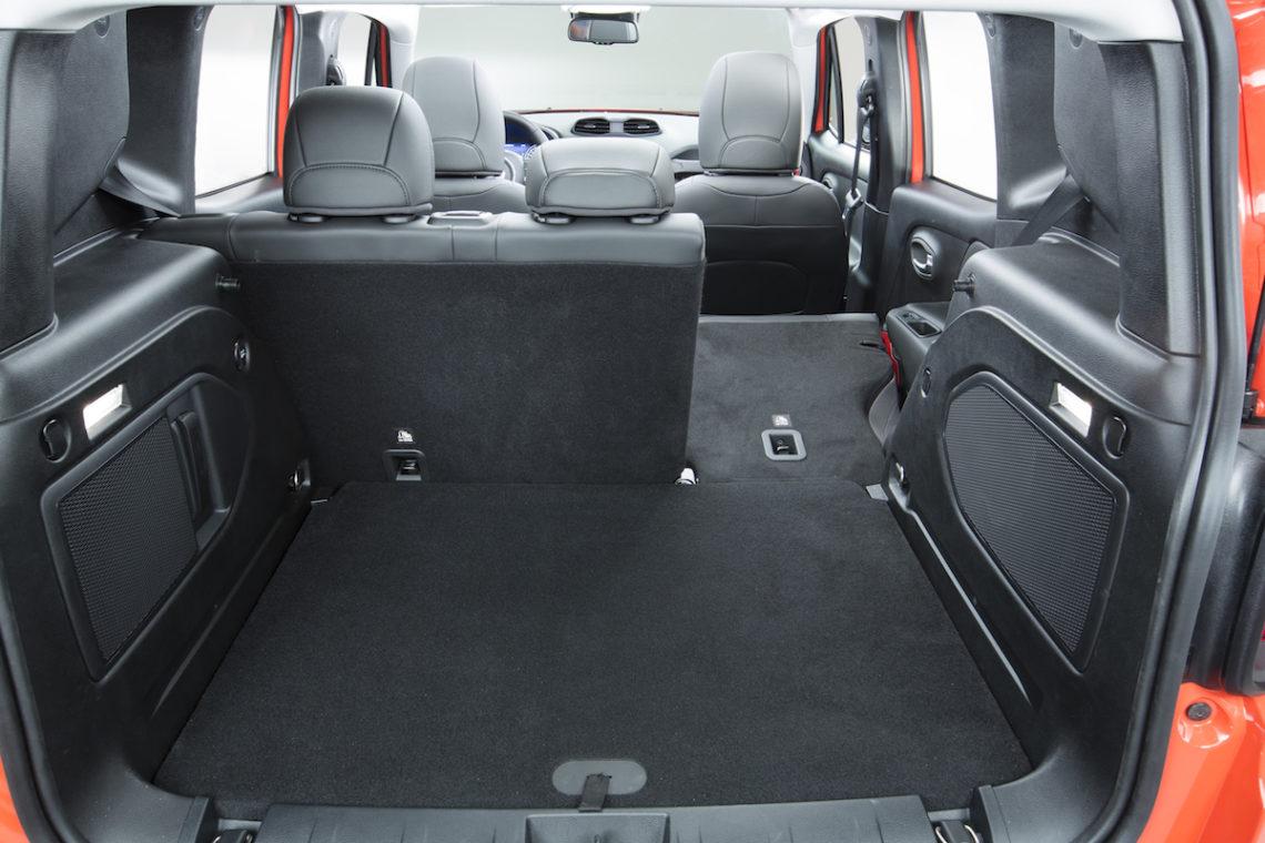 test der neue jeep renegade 2015. Black Bedroom Furniture Sets. Home Design Ideas