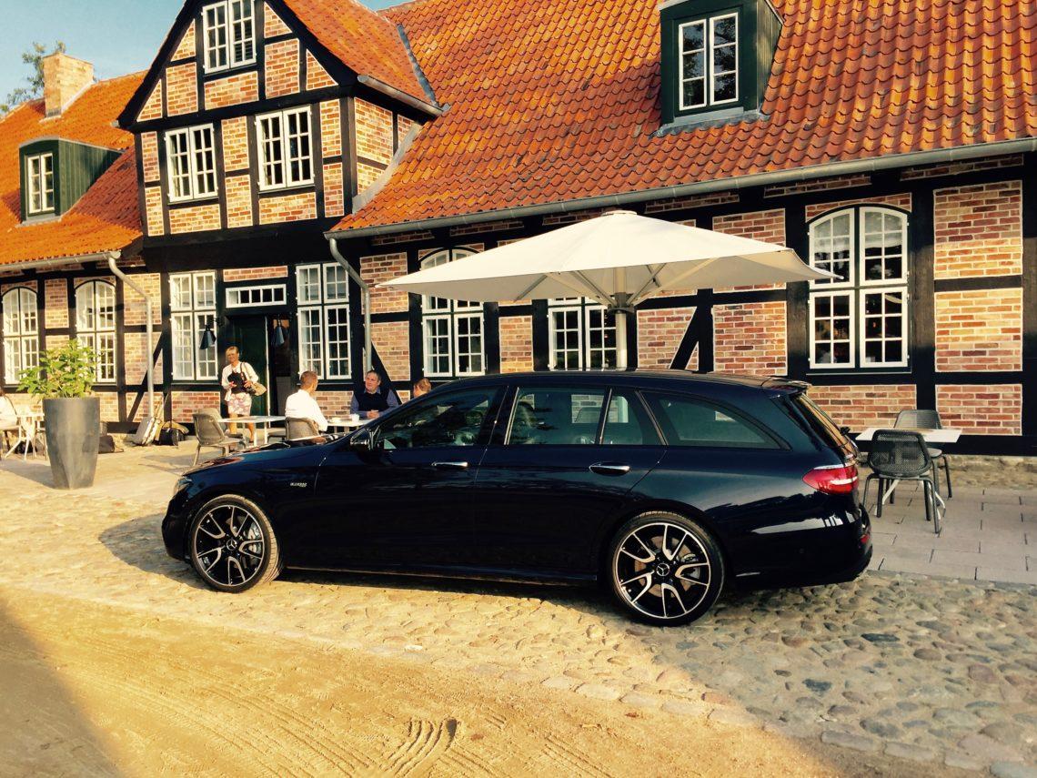 Mercedes Benz E Klasse T Modell 220 D 4matic Fahrerseite